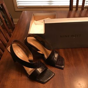 Nine West GUC chestnut croc heels with box